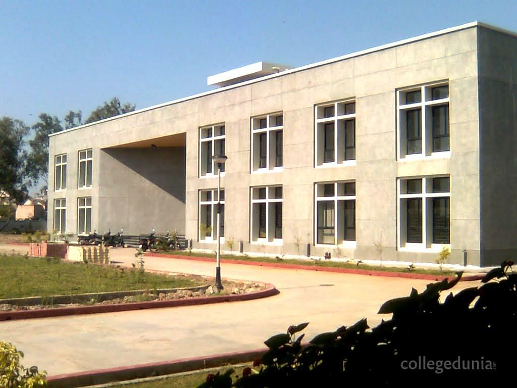 Government Engineering College, Valsad Hostel & Fees details