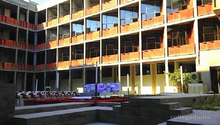 Ahmedabad University, School of Arts and Sciences