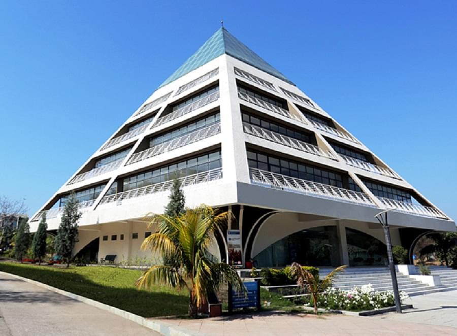 Jagran Lakecity University, School of Law
