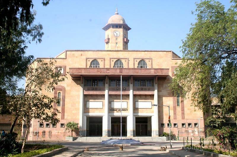 Bhavan's Sheth RA Shah College of Arts and Commerce - [BSRASCAC]