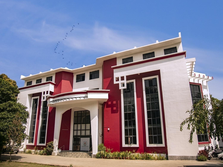 Lal Bahadur Shastri Institute of Management and Development Studies - [LBSIMDS]