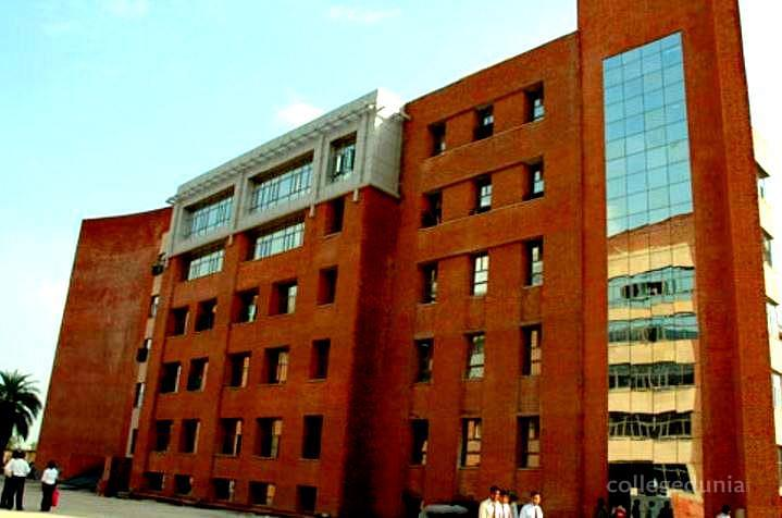 Amity Institute of English and Business Communication - [AIEBC]