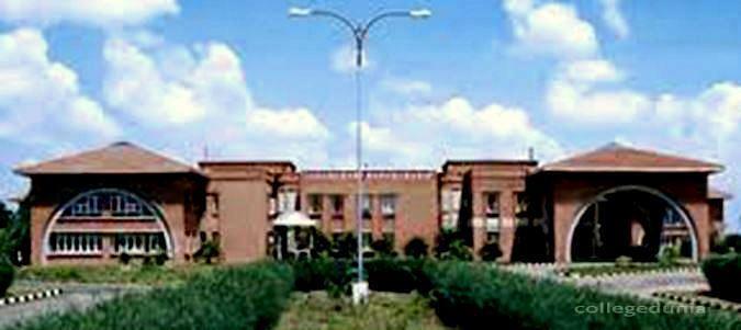 Lakshmipuram College of Arts and Science