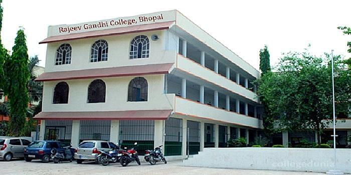 Rajeev Gandhi College Bhopal Courses Fees 2021 2022