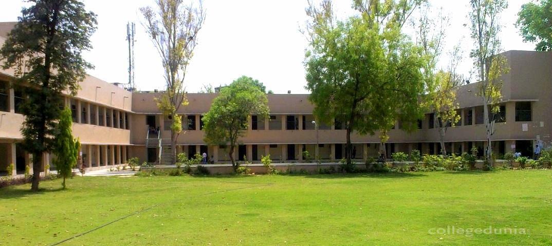 Sri  Aurobindo College (Evening)