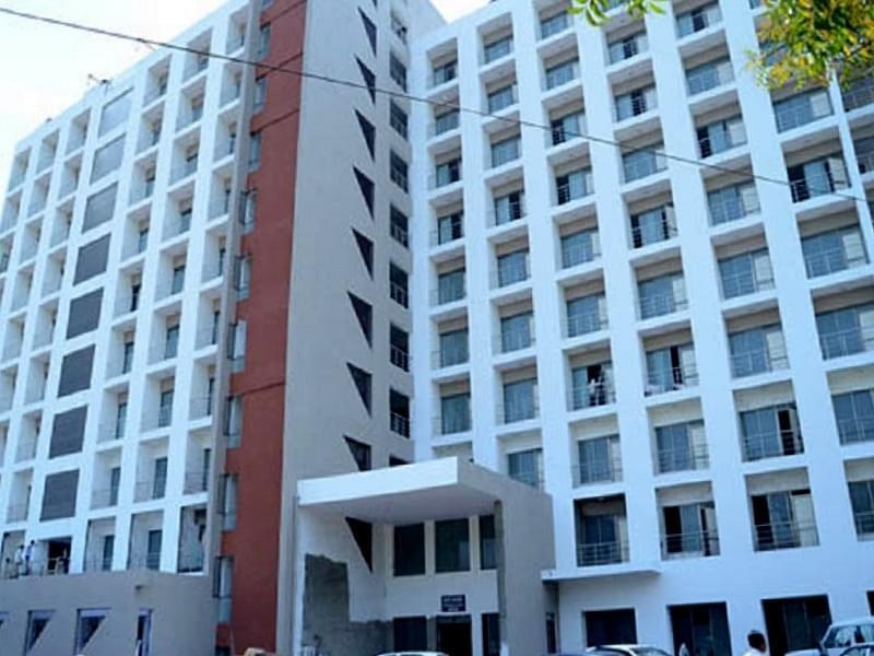 gmers medical college hospital gandhi nagar faculty details