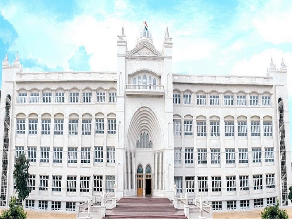 Mody University, School of Engineering And Technology -[SOET]
