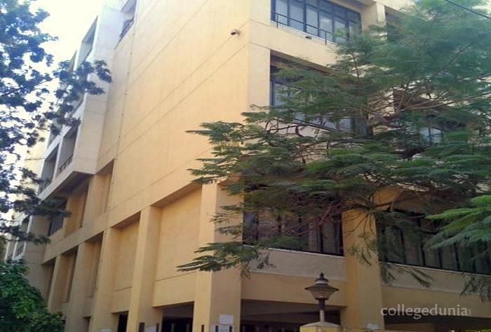 Pendekanti Law College