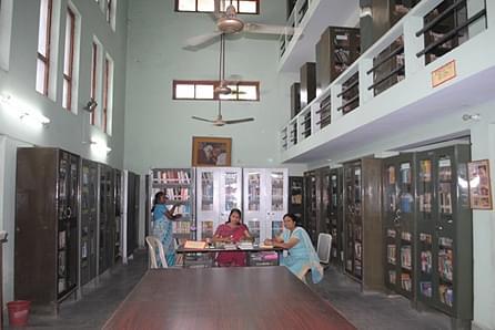 Nari Shiksha Niketan Post Graduate College, Lucknow