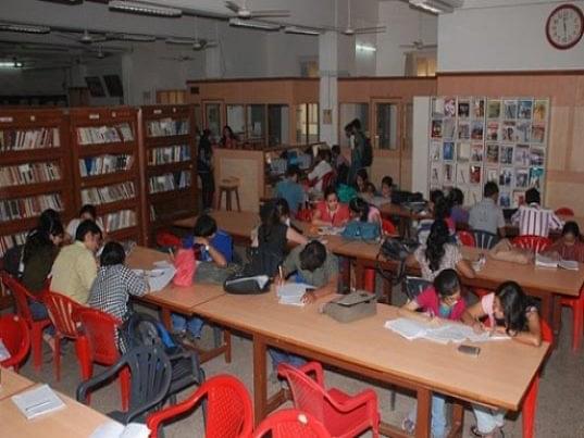 RA Podar College of Commerce and Economics, Mumbai