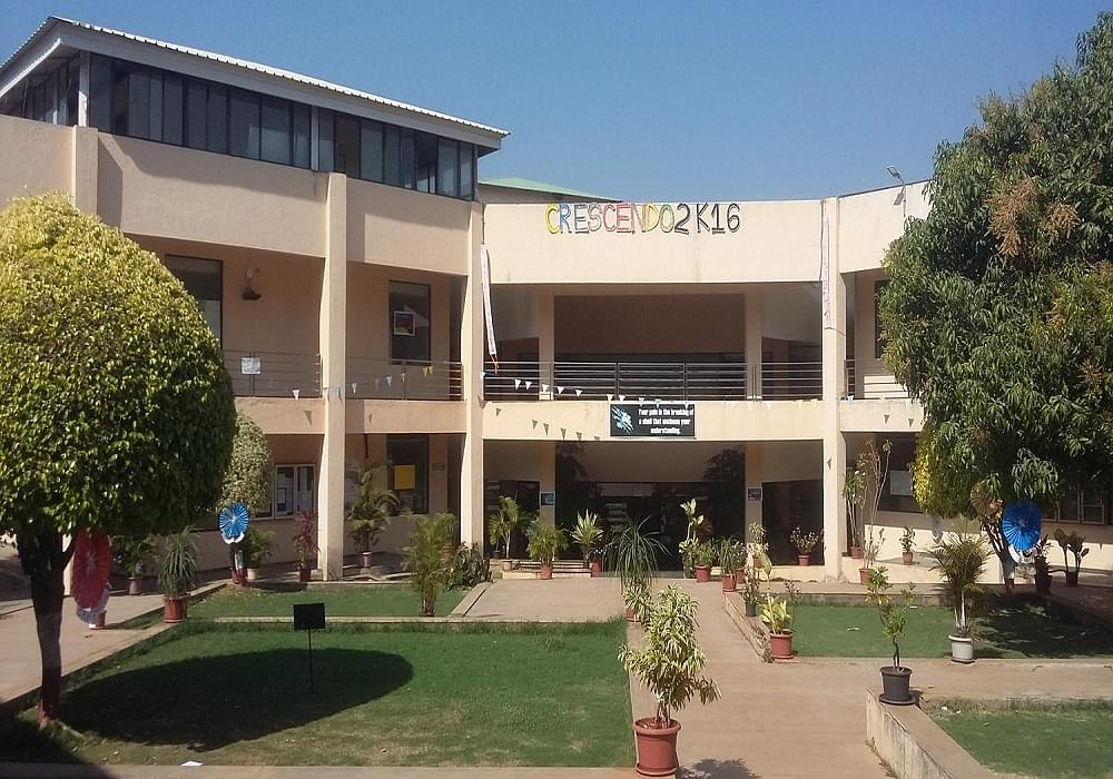 Isb Amp M College Of Commerce Pune Admissions Contact