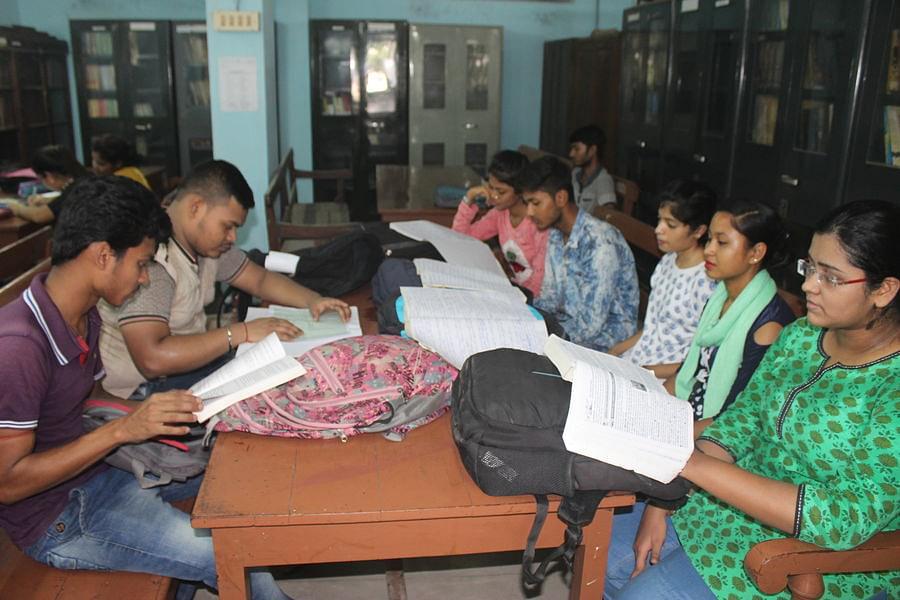 Dum Dum Motijheel College, Kolkata - Images, Photos, Videos
